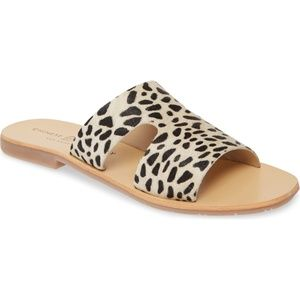 Chinese Laundry Mannie sandals in Cheetah
